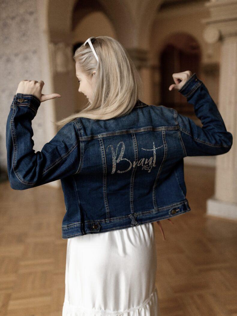 Jeansjacke mit Aufschrift Braut