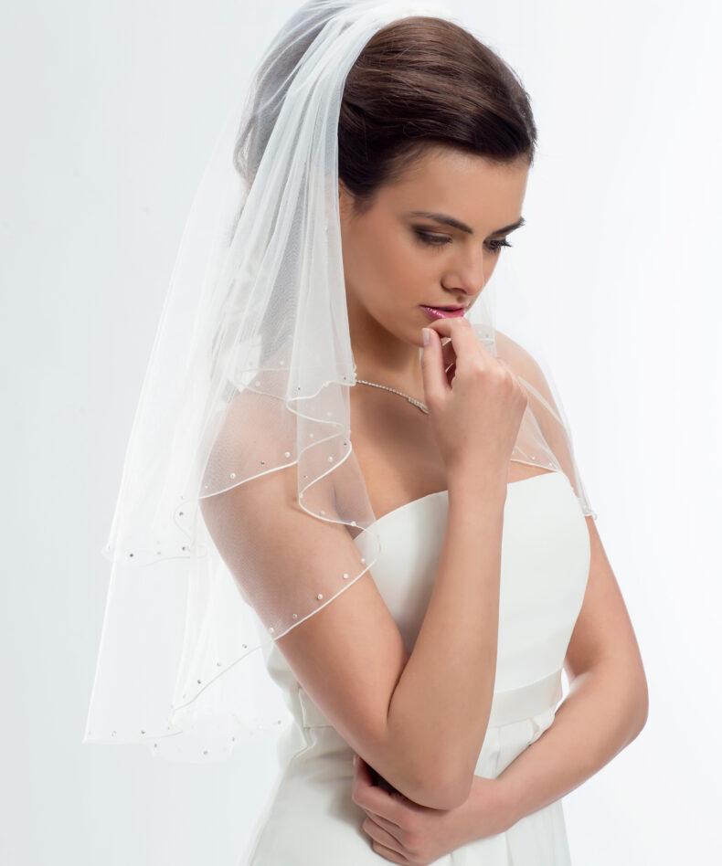Brautschleier aus softtüll mit perlen und Swarovski Kristallen